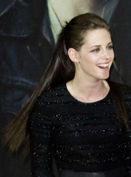 Kristen Stewart S New Long Locks Love Or Hate Marie Claire