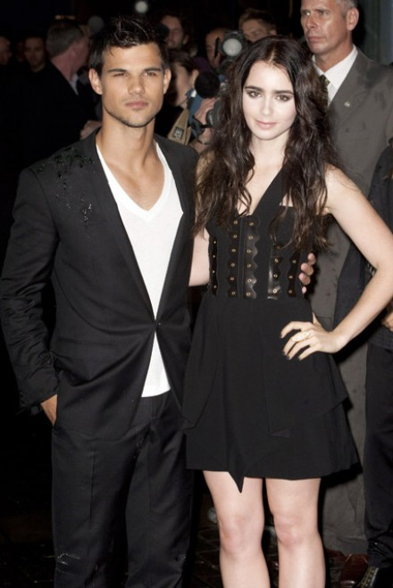 taylor lautner is dating lily collins