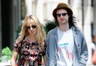 Sienna Miller And Tom Sturridge Stroll Around New York City