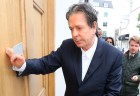 Charles Saatchi Accepts Police Caution After Investigation Into 'Row'