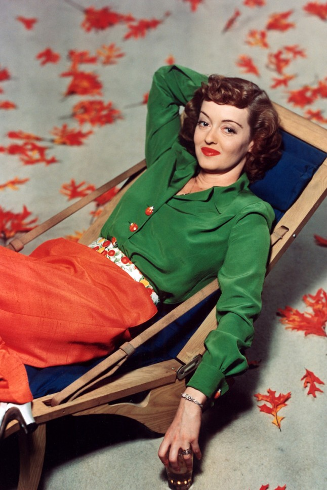 Fashion 1940s Two Female Models Flirty 40s Style Evening: 1940s Fashion: The Decade Captured In 40 Incredible