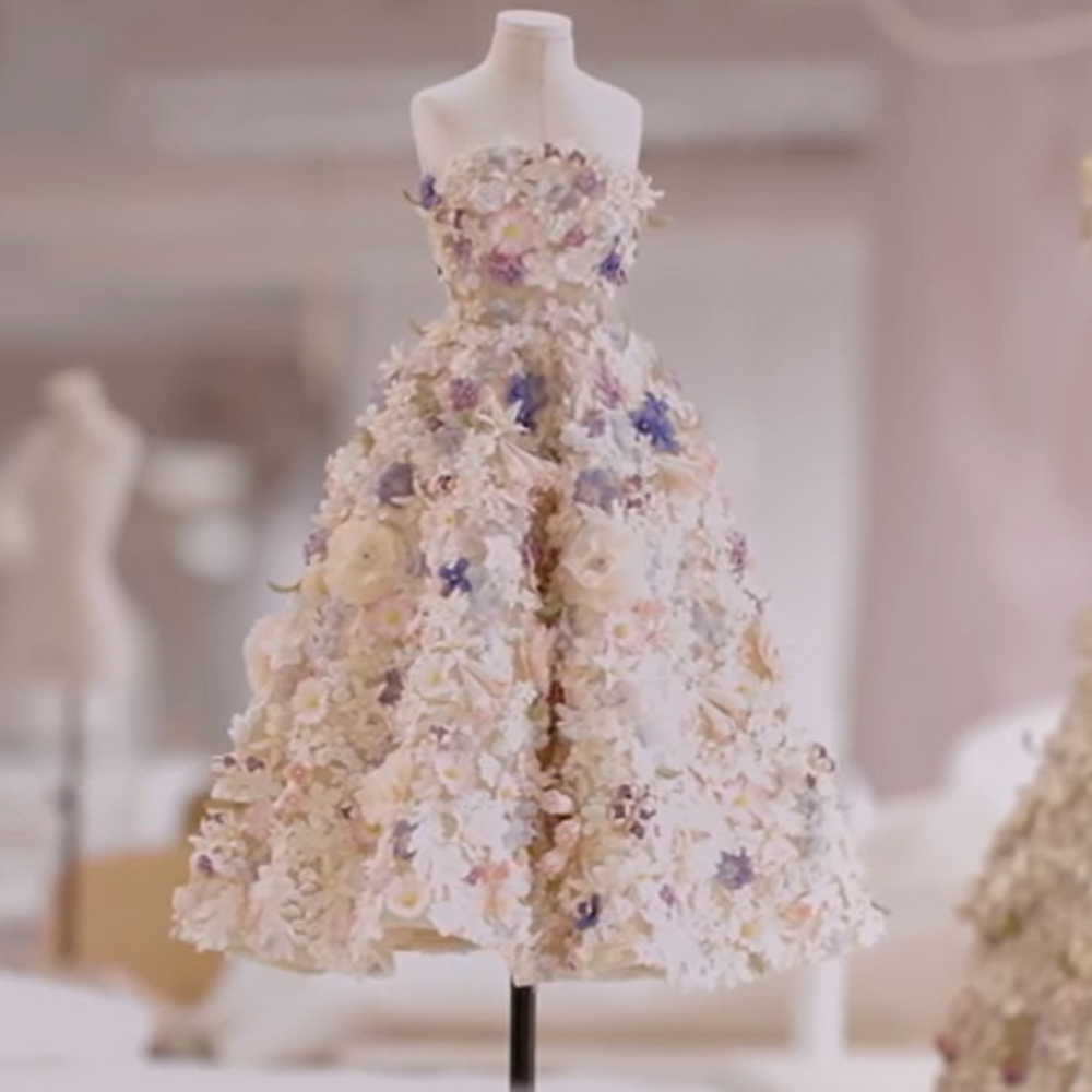 Christian Dior Wedding Gowns: Christian Dior Couture Releases Le Petit Théâtre Dior A