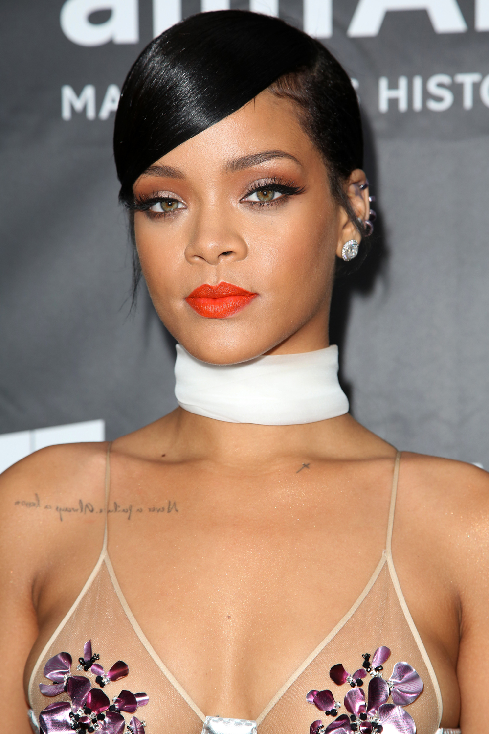 Rihanna Lipstick Colours In Pictures - Rihanna - Page 1 ...
