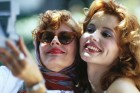 Your New BFF Could Be Just A Swipe Away: There's Now A Tinder-Like App For Finding Friends